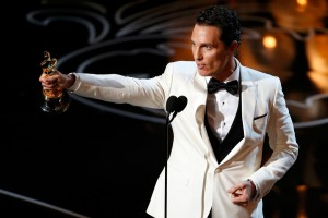 """Matthew McConaughey accepts the Oscar for best actor for his role in """"Dallas Buyers Club"""" at the 86th Academy Awards in Hollywood"""